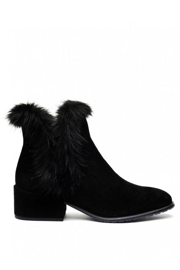 024401 Чорні замшеві черевики
