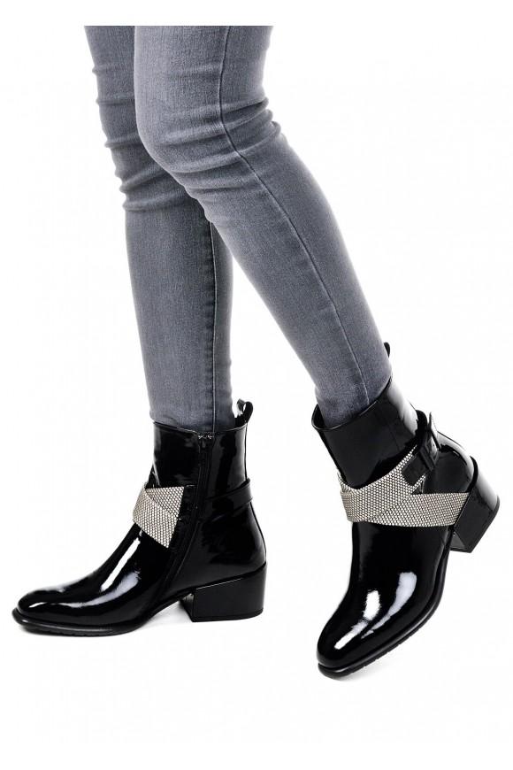 024511 Лаковые черные ботинки