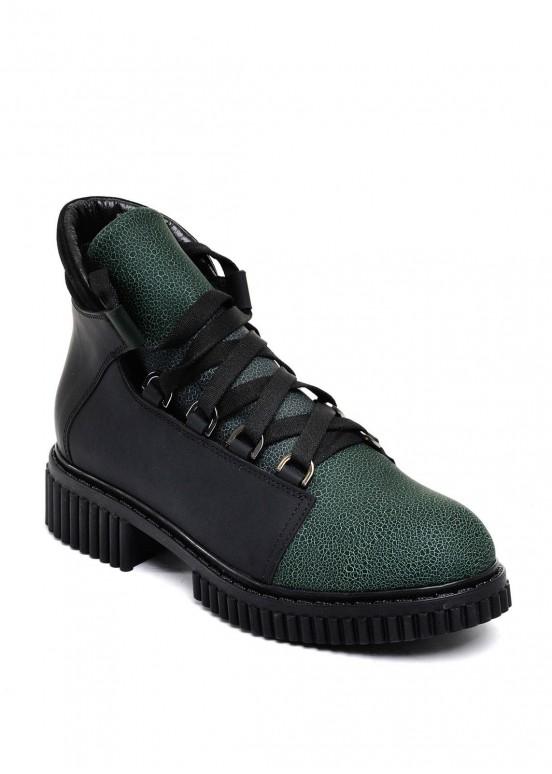 033012 Кожаные ботинки на меху