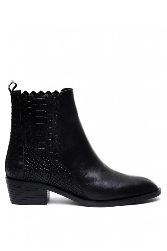 876021 Чорні шкіряні черевики