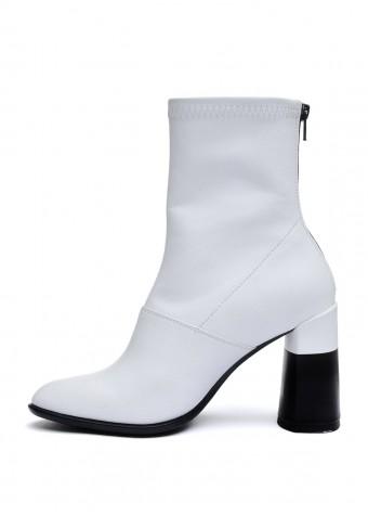 892214 Білі шкіряні черевики