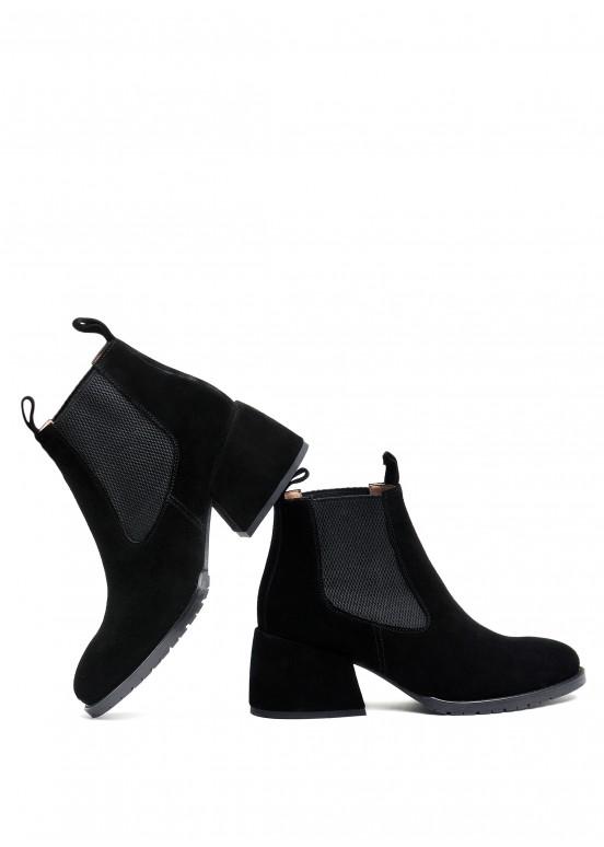 425421 Черные замшевые ботинки