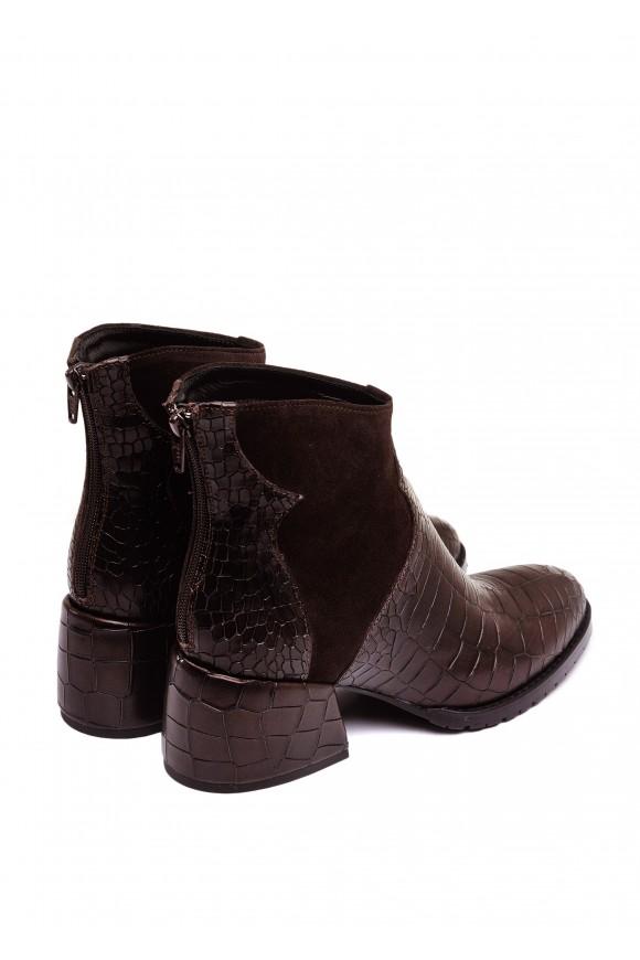 425731 Кожаные ботинки шоколадного цвета