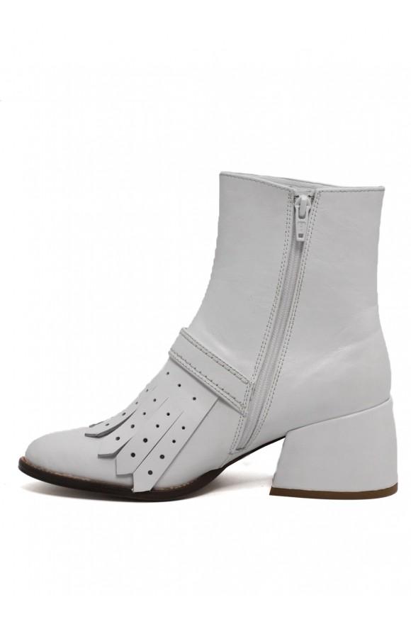 425201 Шкіряні білі черевики