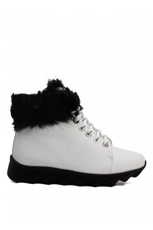 565315 Белые кожаные ботинки на меху