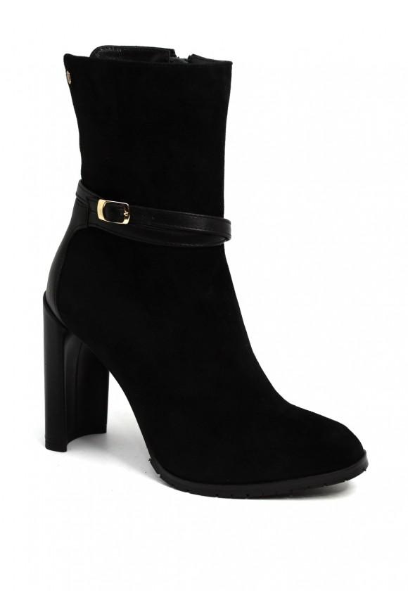 856001 Черные замшевые ботинки