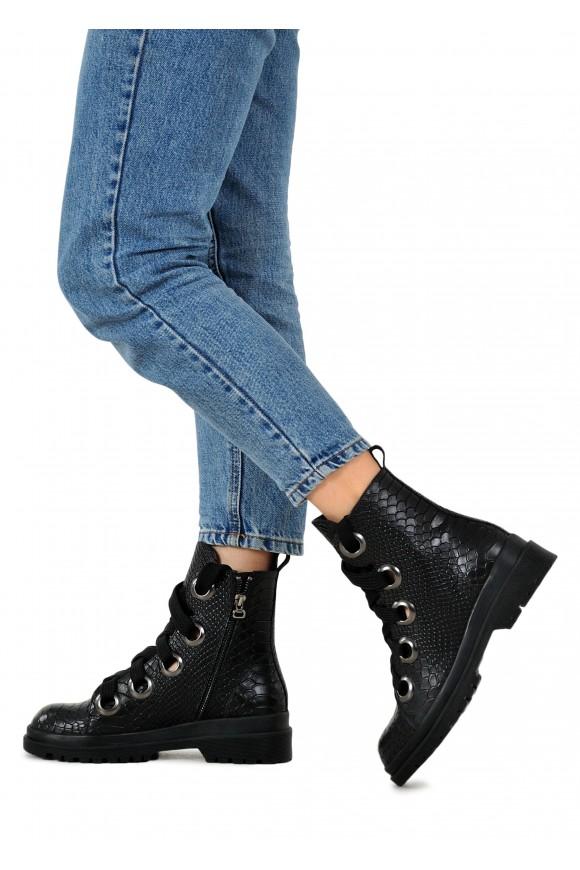 034923 Шкіряні черевики на шнурках
