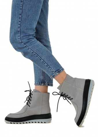 035315 Замшеві світлі черевики на шнурках