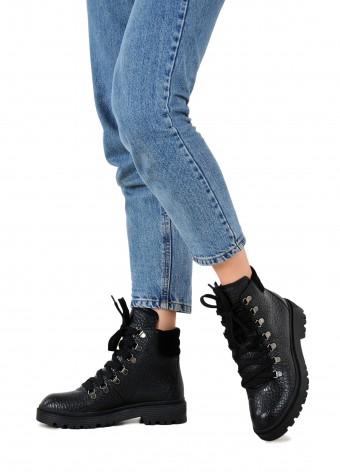 035403 Ботинки