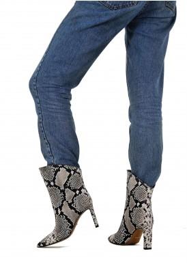 146101 Зручні черевики на середньому каблуці