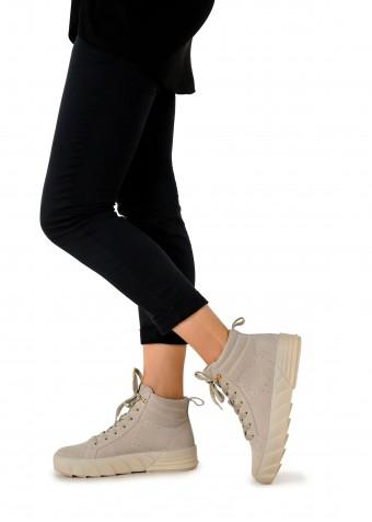 263301 Зручні черевики з натуральної замші