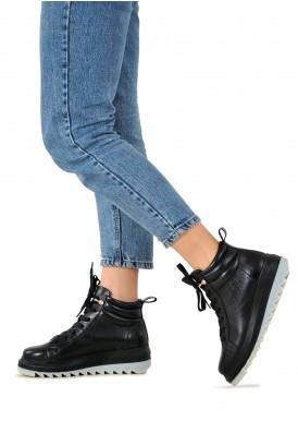 263342 Шкіряні черевики чорного кольору