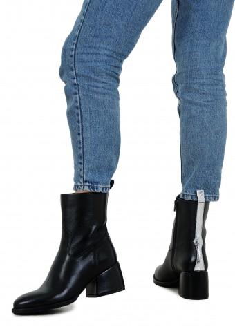 426111 Ботинки