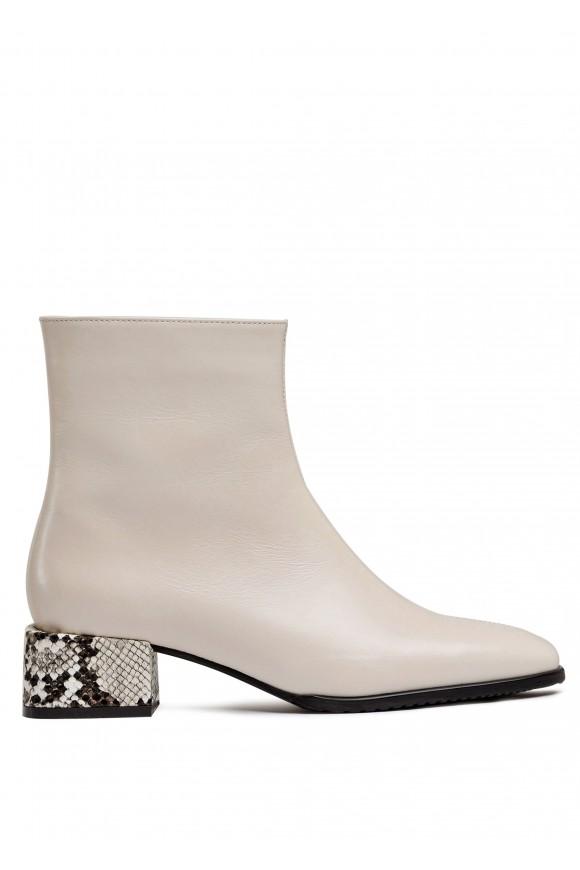 452501 Светлые ботинки из натуральной кожи