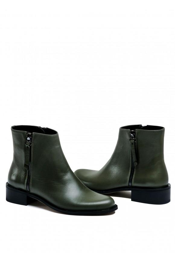 533107 Зручні черевики кольору хакі