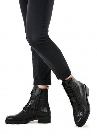 533336 Зручні черевики на шнурка
