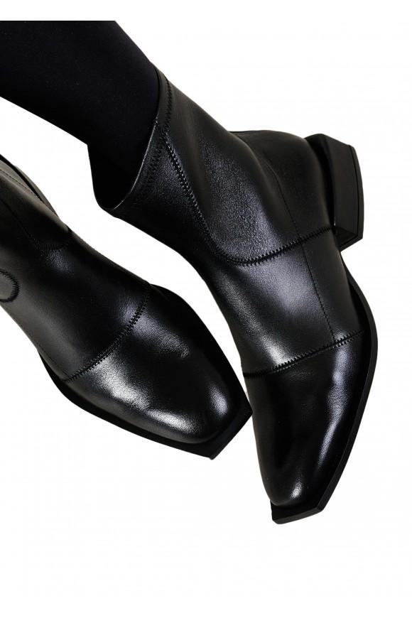 888421 Кожаные ботинки на низком каблуке