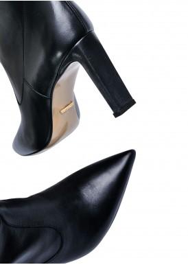 146001 Кожаные сапоги на удобном каблуке