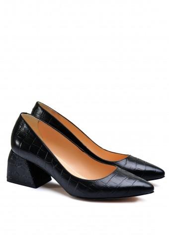 800001 Кожаные туфли на небольшом каблуке
