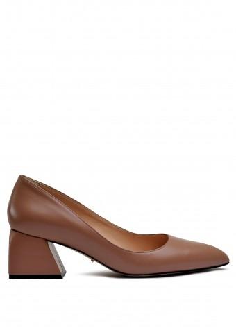 800031 Бежевые туфли на небольшом каблуке