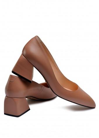 800031 Бежеві туфлі на невеликому каблуці