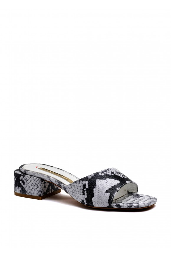 471901 Шкіряні сандалі