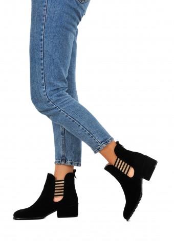 024771 Чорні замшеві черевики