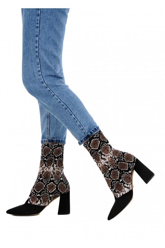 724015 Стильні черевики