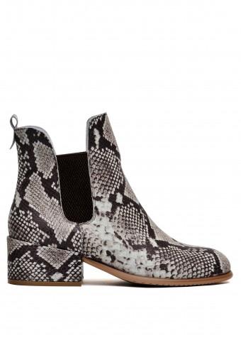 024781 Стильні шкіряні черевики