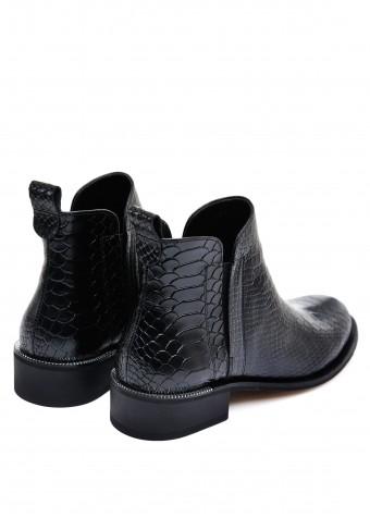531284 Чорні шкіряні черевики