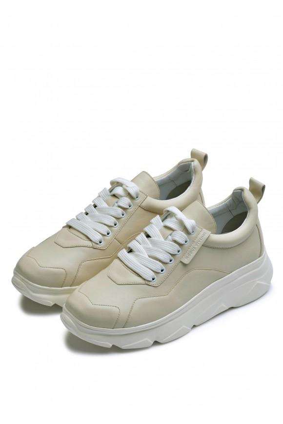 566573  бежеві шкіряні кросівки