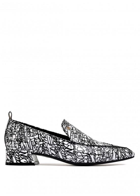 393042 Черно-белые кожаные туфли
