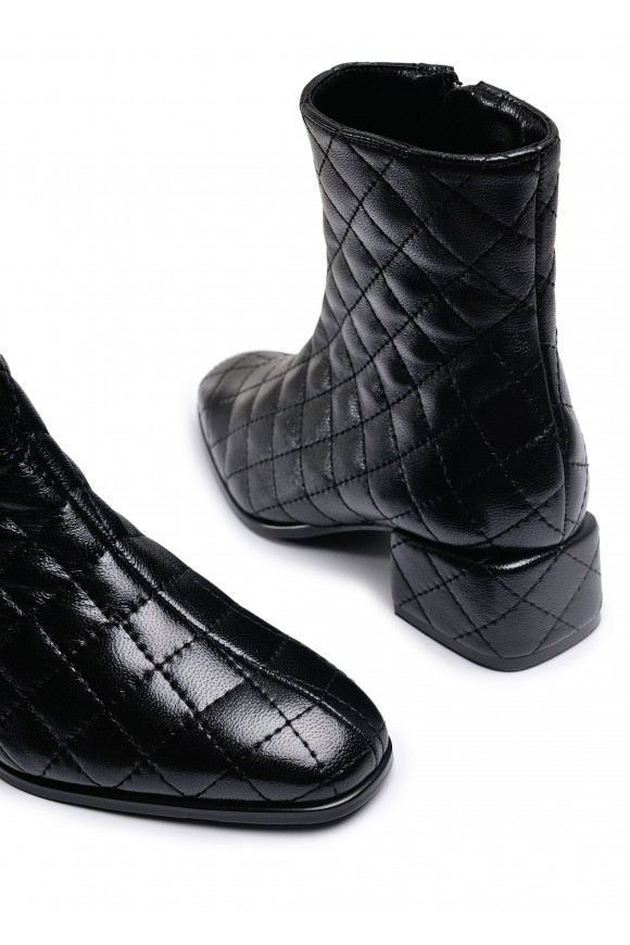 452901 Кожаные стеганные ботинки