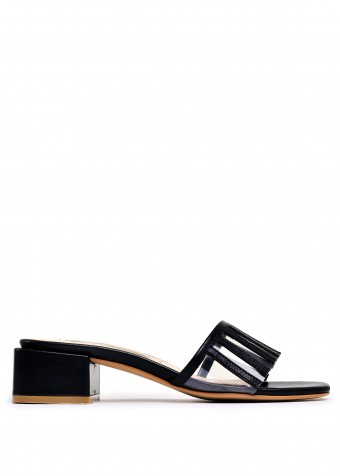 472901 Черные кожаные босоножки с селеконовыми вставками на квадратном каблуке