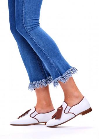 715002 Білі шкіряні туфлі