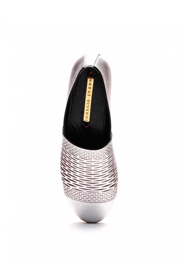 Туфлі кольору металік