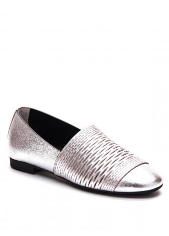 794101 Туфлі кольору металік