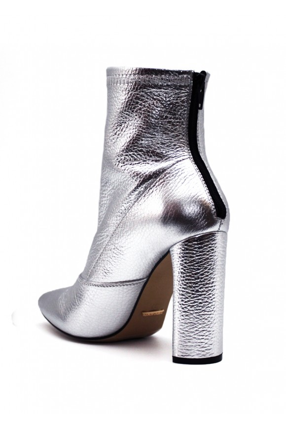 Кожаные ботинки цвета серебро