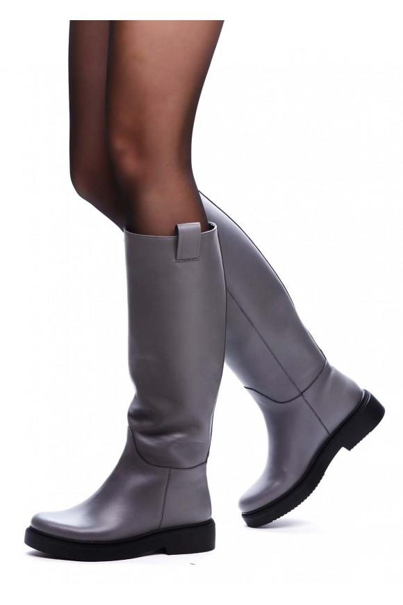 Сірі чоботи