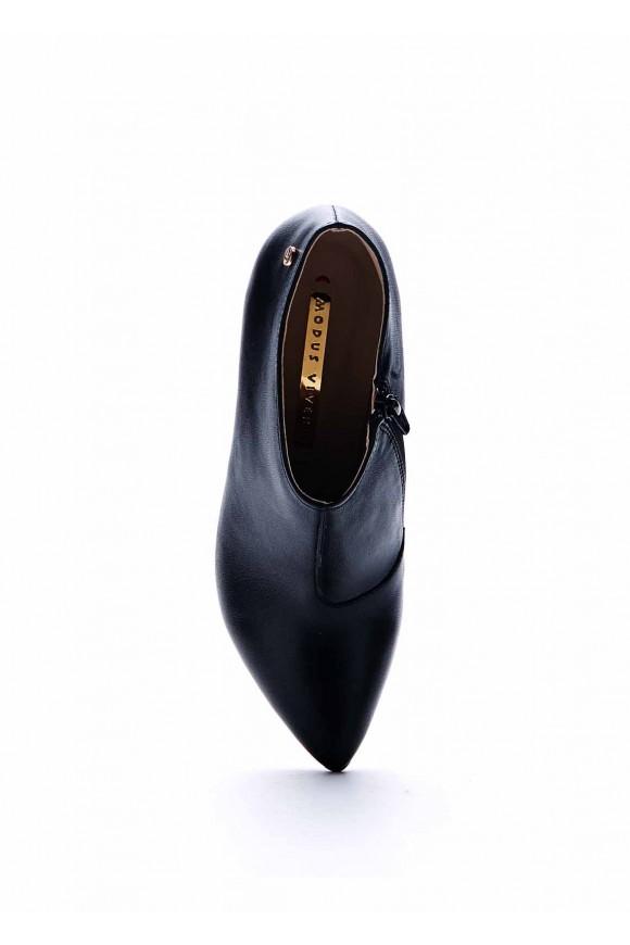 Ботильоны черного цвета на высоком каблуке