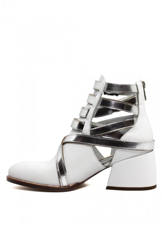 424271 Белые кожаные ботинки