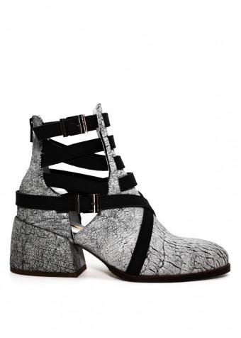 424241 Стильні шкіряні черевики