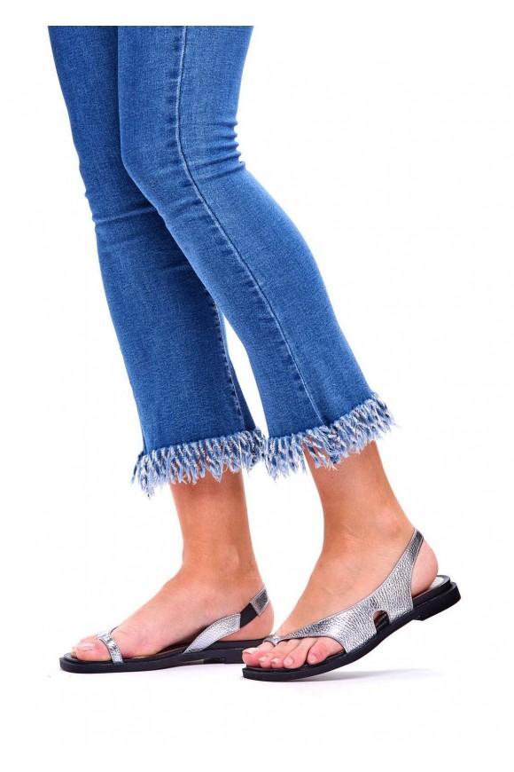 Серебряные кожаные сандалии