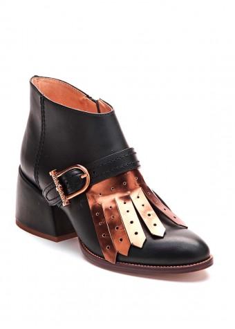 425311 Чорні черевики