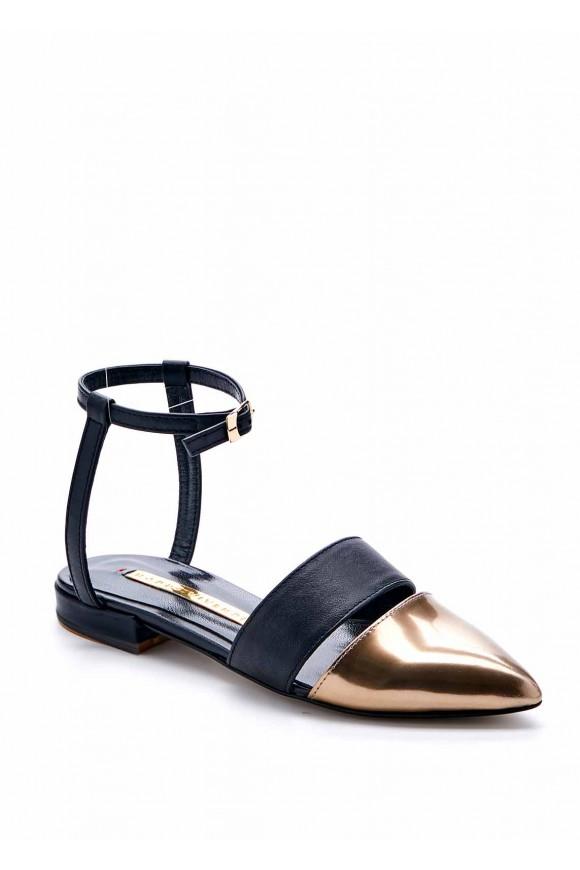 Черные мюли с золотым носком