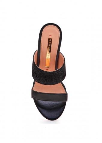 934202 Черные босоножки на каблуке