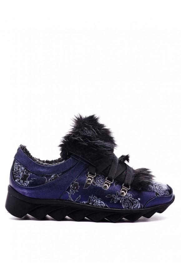 Сині кросівки