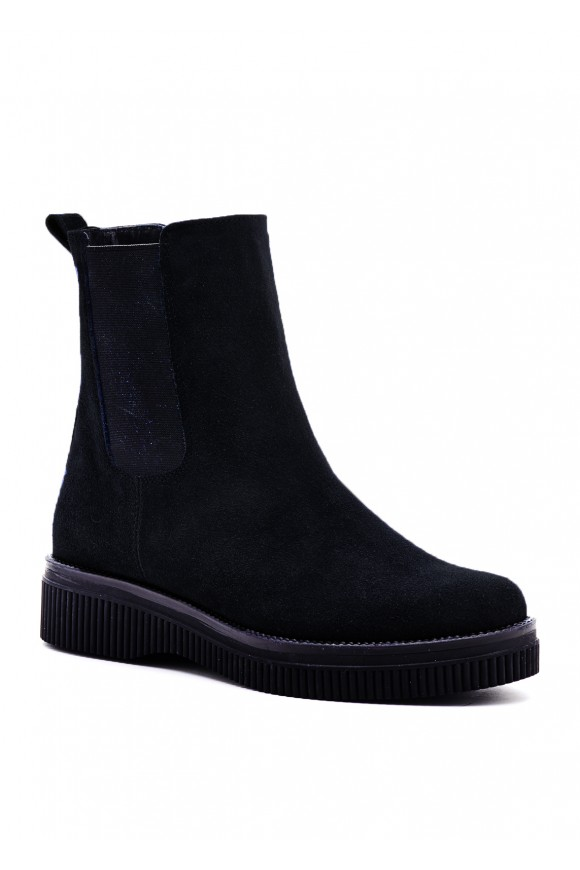Черные замшевые ботинки