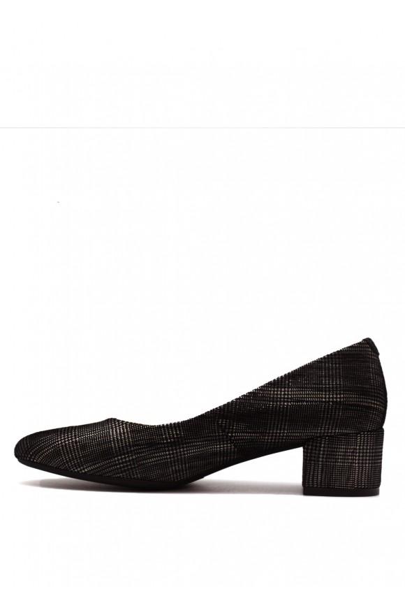 Кожаные туфли в клетку