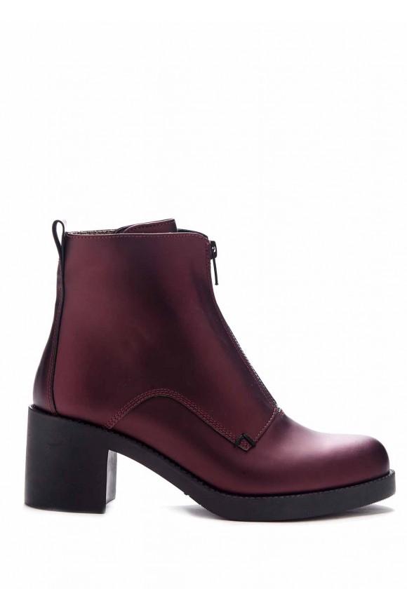 Бордові черевики
